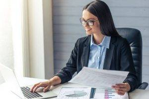 Business Woman wearing glasses 1280x853